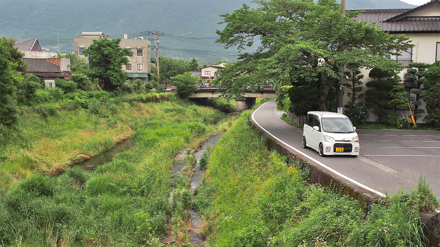 Driving in Yufuin
